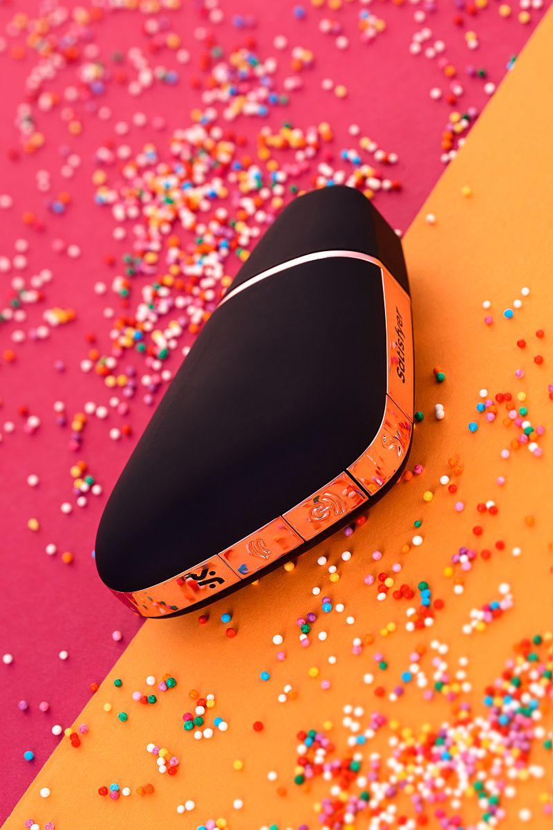 Вакуум-волновой бесконтактный стимулятор клитора Satisfyer Love Triangle, ABS пластик+силикон, Черны