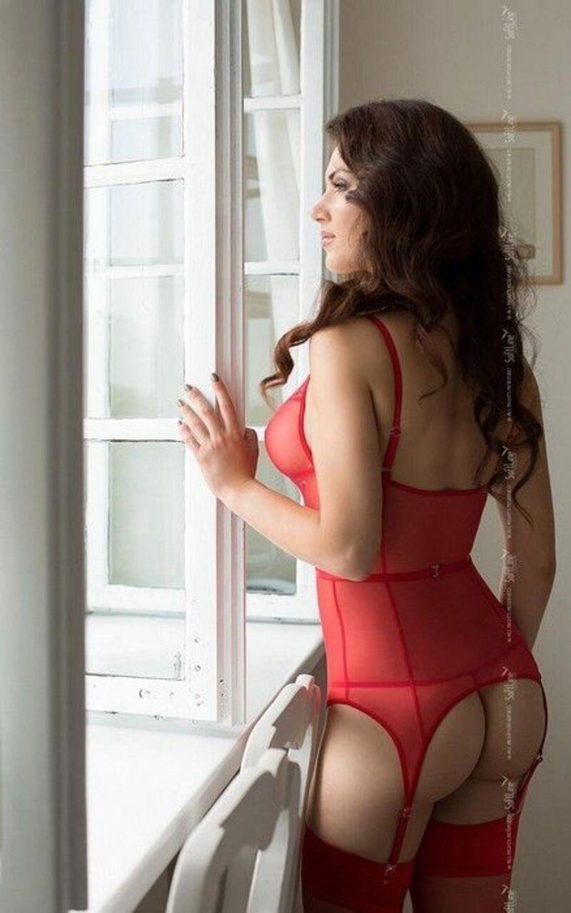 Корсет с пажами и стринги SoftLine Collection Diora, красный, S