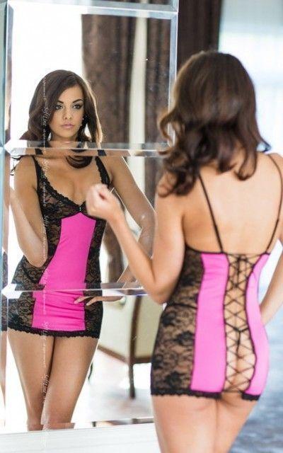 Evie - Ночная сорочка со шнуровкой на спине, стринги и перчатки черно-розовые-S/M